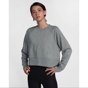 nwt // nike versa training sweater